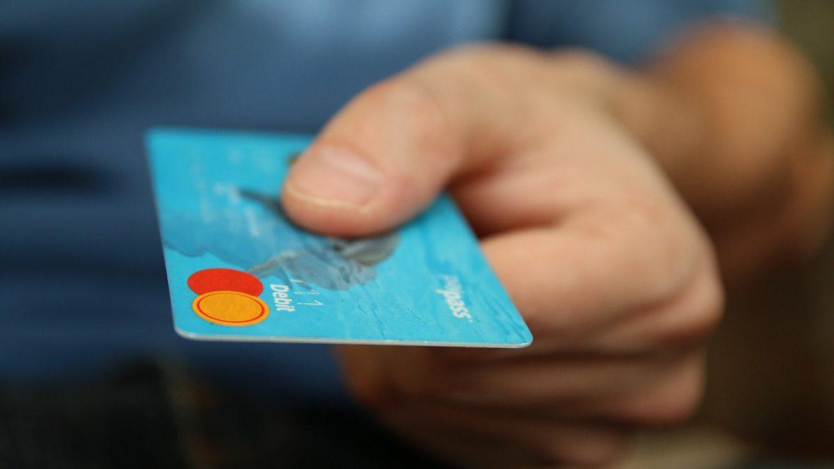 daca iti faci un card de credit vei ramane sarac